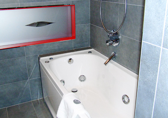 Double-occupancy Comfort room with Jacuzzi